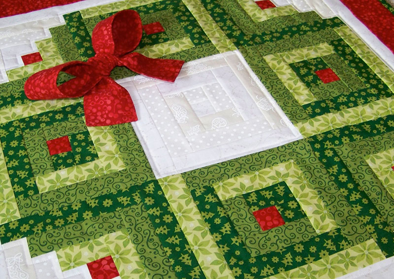 Log Cabin Christmas Wreath Wall Hanging Plus Bonus Scrappy Wreath Table Runner Idea Craft Picnic